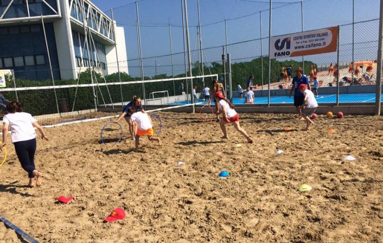 """Partito il Jump 2016: centinaia di bambini """"invadono"""" palestre, spiagge  e centri sportivi"""