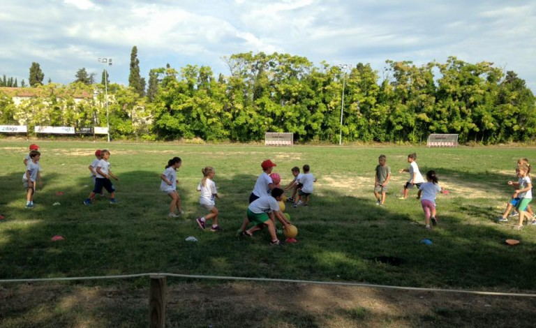 """L'estate è alle porte e al campo da rugby di Fano, ecco la """"simulazione"""" pratica del  Centro Estivo Sportivo Jump"""