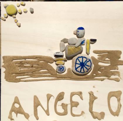 L'Autoritratto di Angelo: un'opera d'arte che abbatte ogni barriera